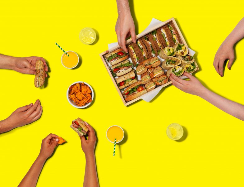 advert-print-advertising-food-photography-london-bratislava-fotograf-jedla-reklama-reklamna-city-pantry-sandwiches-hands-overhead